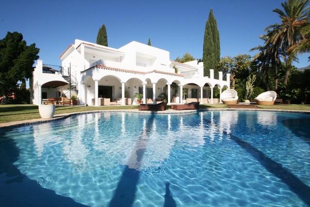 Luxury Villa In Atalaya de Rio Verde 5.700.000 Euros