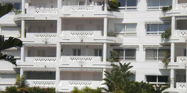 42 - El apartamento, planta baja, a la derecha.