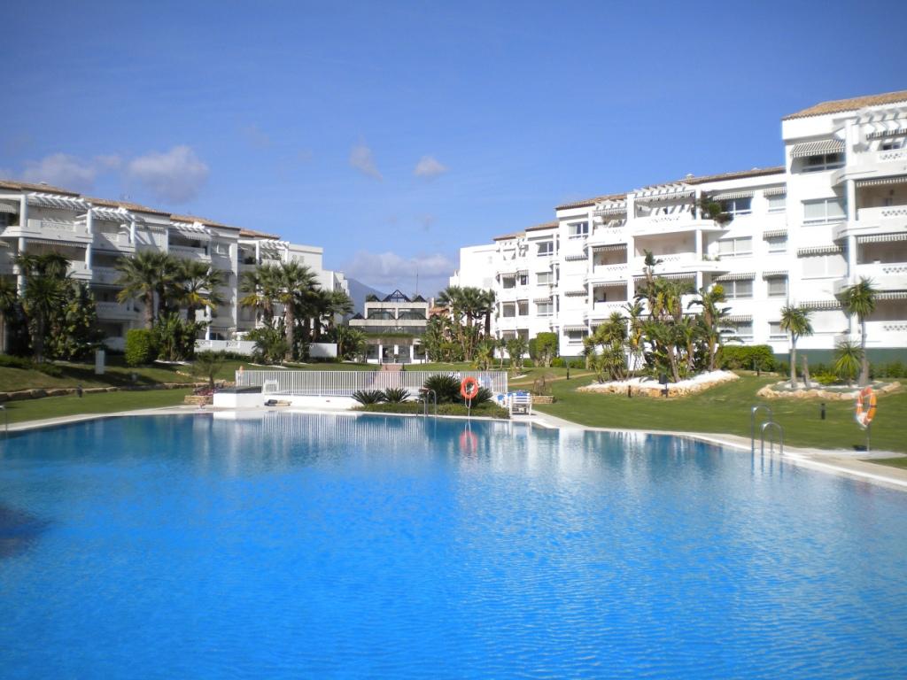Playa Rocio – Puerto Banus 2 Bedroom Long & Short Term 1.300€