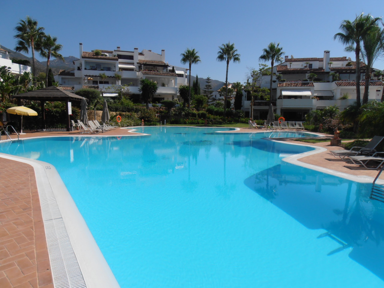 Unfurnished Duplex Penthouse Apartment in Monte Paraiso 4.500€
