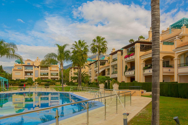 Duplex Penthouse Lomas de Sierra Blanca 980.000€