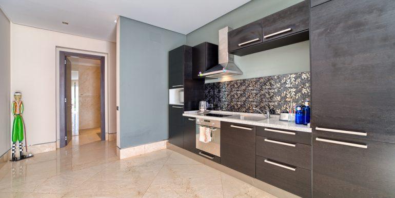 37_separate_apartment