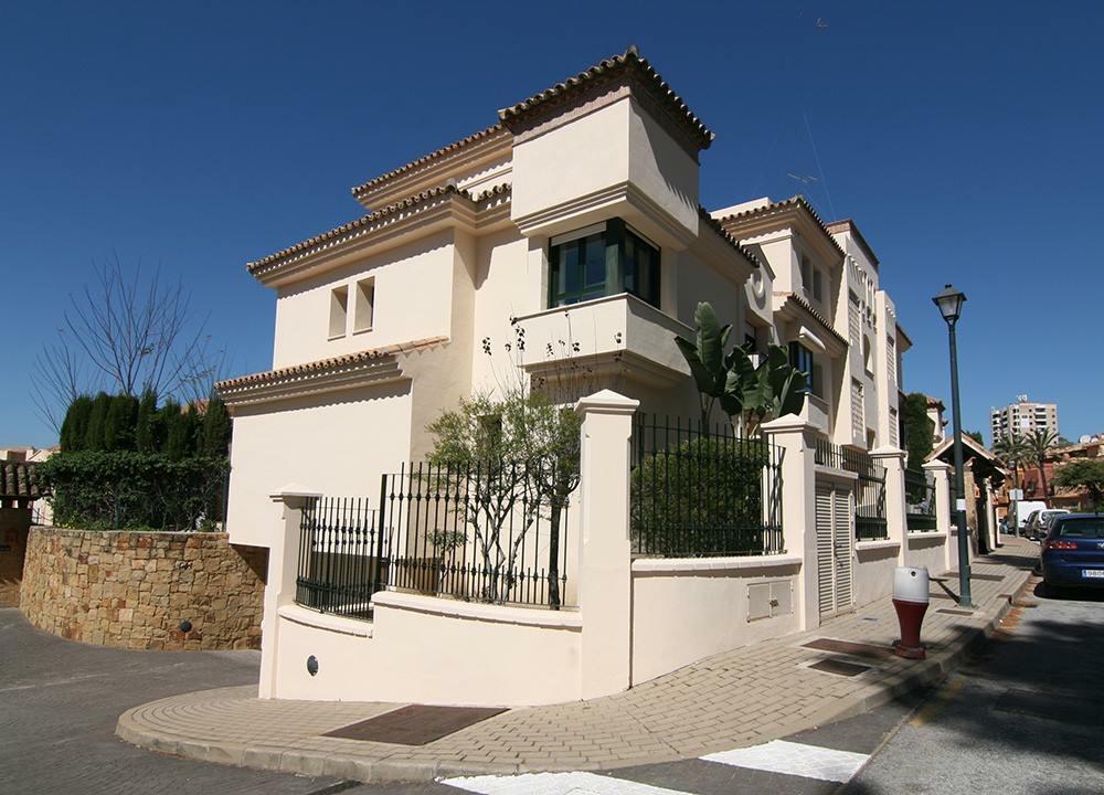 Hacienda El Palmeral 2 Bedroom Ground Floor Apartment For Rent 1.300€