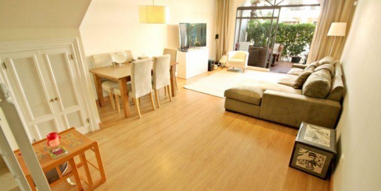 R2125703-Townhouse-For-Sale-Aloha-Terraced-2-Beds-170-Built-3