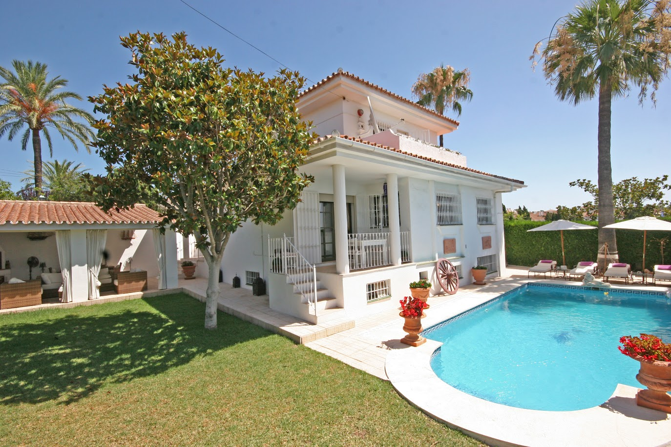 LOVELY FAMILY VILLA FOR SALE IN EL PILAR ESTEPONA WAS 795.000€ AND NOW 749.000€