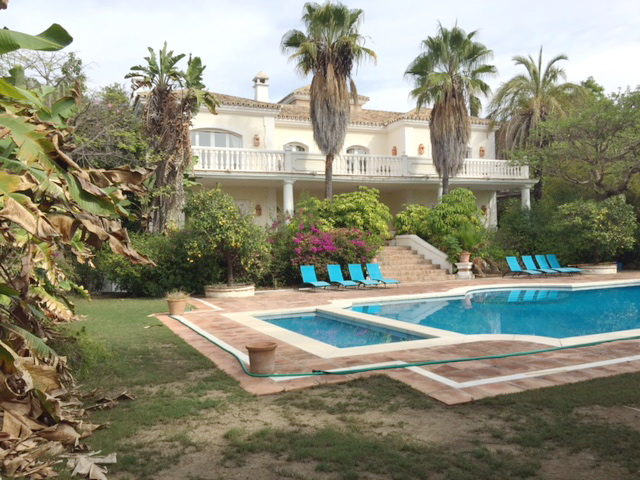 Elegant Colonial Style Mansion In the Lower Nagüeles Area 3.900.000€