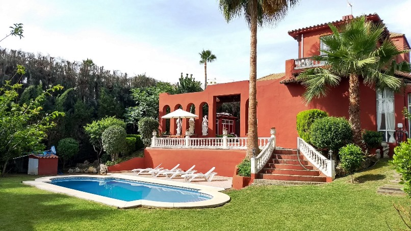 Family Size Villa Recently Refurbished 1.080.000€