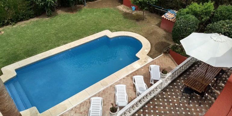 jardin_piscina_2