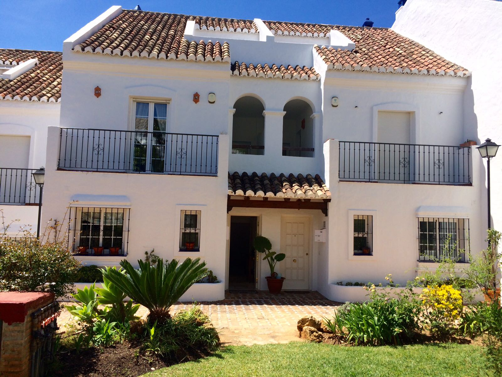 Long Let Golden Mile Corner Townhouse with Private Plunge Pool Was 2.500€, Now 2.100€