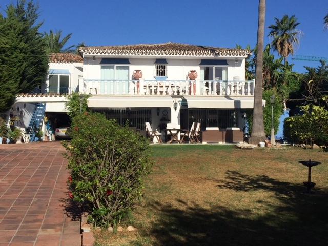 Great Investment Opportunity, Ideal Refurbishment Project Villa in Las Brisas 885.000€ ONO