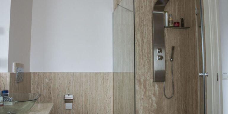 32bathroom_1368x912