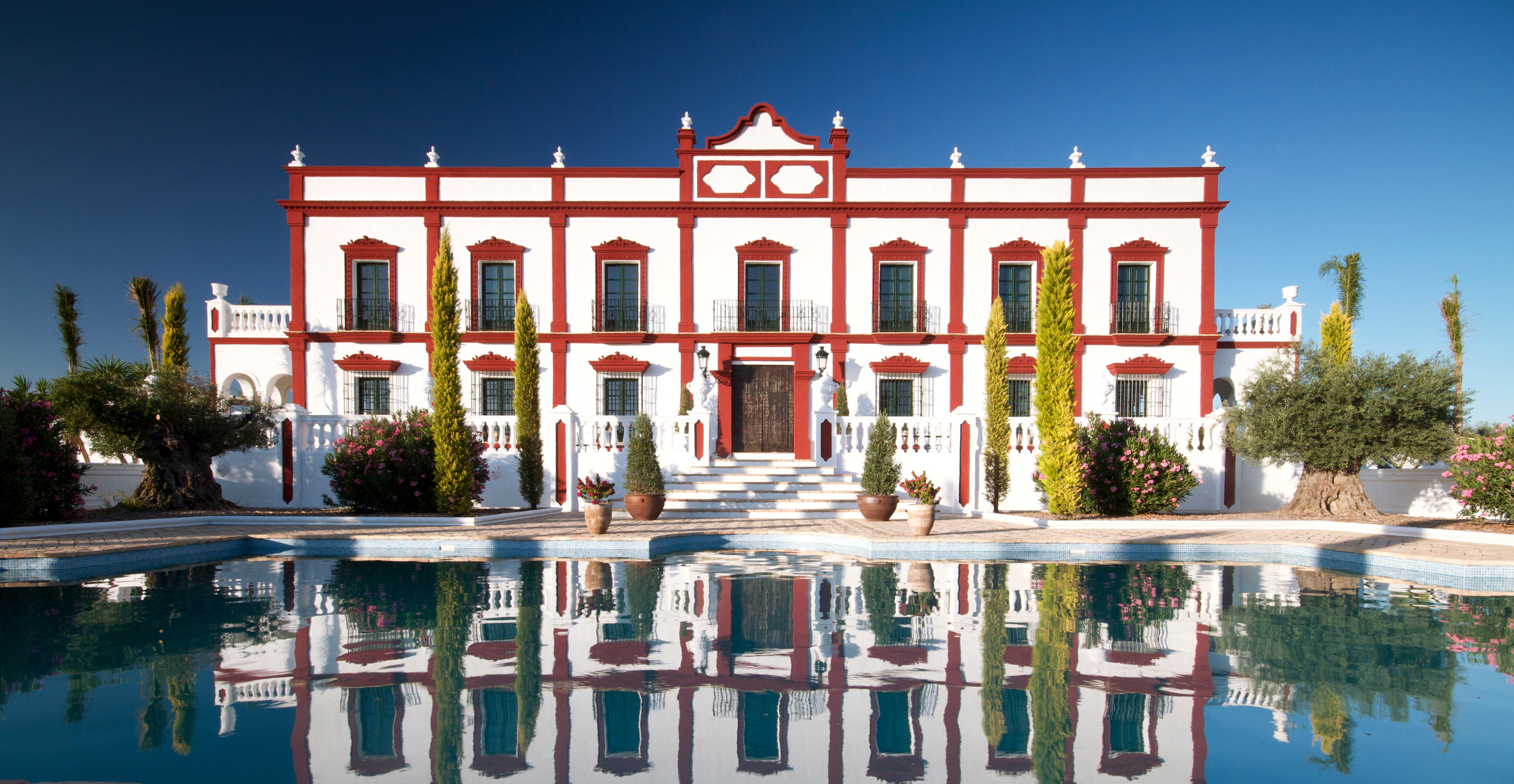 An Exclusive Palace fit for a King or Queen Only 2 Hours from Málaga Just Reduced from 3.500.000€ to 2.950.000€