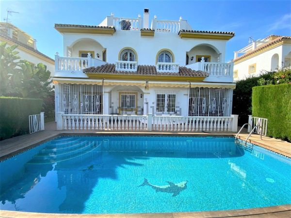 DOUBLE SIZE SEMI-DETACHED VILLA IN HEART OF GOLDEN MILE WAS 1.330.000€  NOW 975.000€