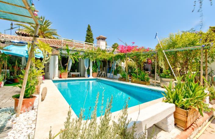 Unique 15 Bed Villa Detached Villa For Sale Great Investment Opportunity 1.495.000€